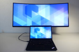 ThinkPad T480s (Fedora 32) with the Dell U3818DW